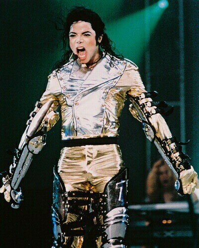 Michael Jackson - king of pop!