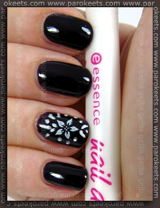 Essence: Nail Artist Twins - Thelma + Nail Art Pen - Silver White