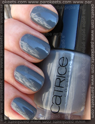 Swatcg Catrice Ultimate Nail Lacquer London's Weather Forecast