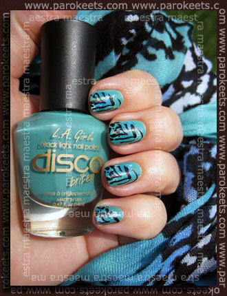 Konadicure: L.A. Girl - Disco Brites - Turntable + sponge Twinkling and white + Konad m57 w/ black