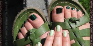 Pedicure: China Glaze - Emerald Sparkle. Manicure: Jessica - Viva La Lime Lights + KonadPedicure: China Glaze - Emerald Sparkle. Manicure: Jessica - Viva La Lime Lights + Konad