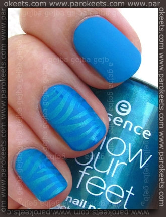 Alessandro - Turquoise Ocean + Essence Caribbean Sea + Fauxnad IP H3 + Essie Matte About You