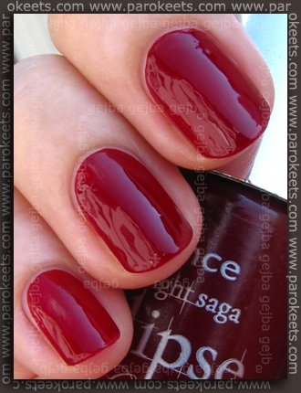 Essence Eclipse Thirsty swatch