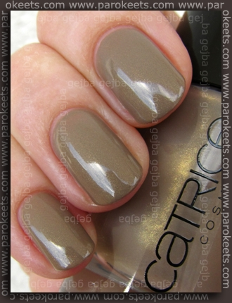 Catrice - Clay-ton, My Hero swatch