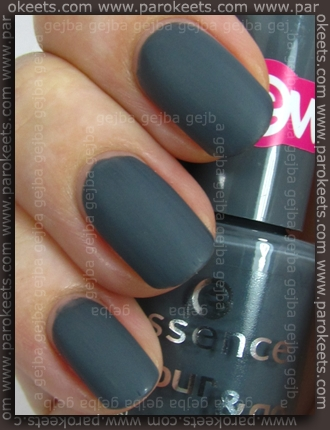 Essence (We Saw It First): Movie Star with Essence Matte Top Coat swatch