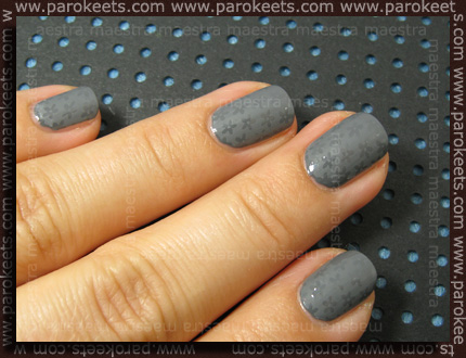 Swatch: Essence - Denim Wanted Trend Edition - Fivepocket Grey with IP BM16 with Essence - matt top coat