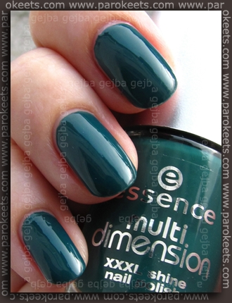Essence - Trendsetter swatch by Parokeets