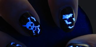 glow-in-the-dark-halloween nails