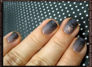 Halloween 2010: Spider On Your Nail manicure by Maestra
