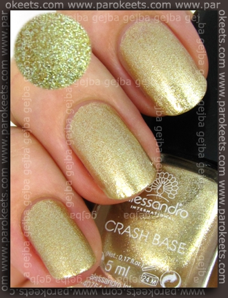 Alessandro Go Magic! - Royal Crash Crash Coat Gold Base swatch