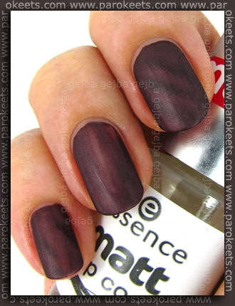 Alessandro Go Magic! Twist - Wild Purple + Essence Matte top coat swatch