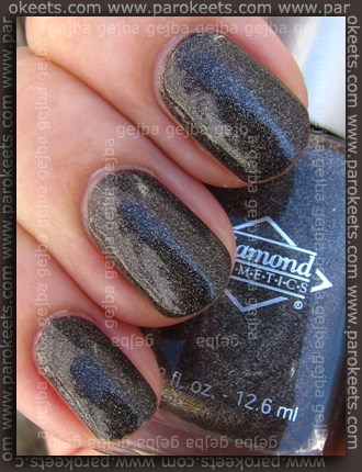 Diamond Cosmetics - Chainmail Charm swatch