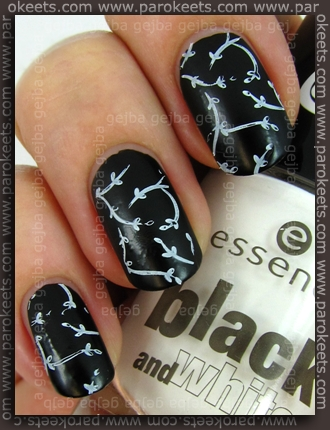 Essence Black and White: Black Out + White Hype + IP H23 konadicure