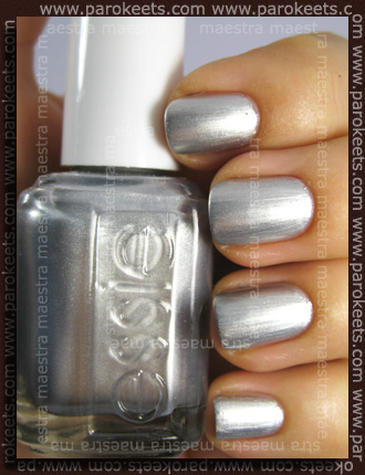 Swatch: Essie - Loophole