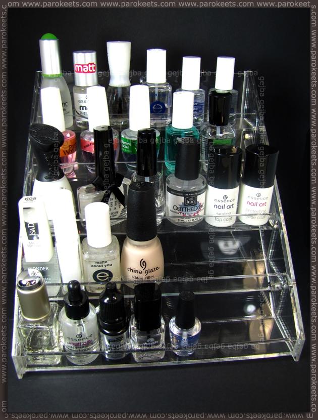 Magnetic: nail polish display