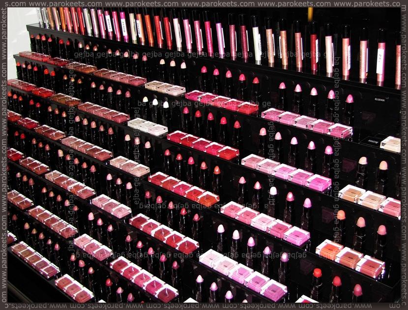 Ingot (Zagreb): lipstick stand by Parokeets