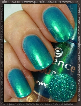 Essence: Out Of My Mind swatch by Parokeets