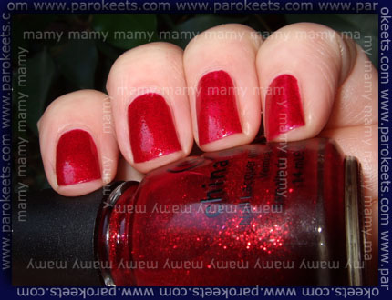 China_Glaze_Ruby_Pumps_Bliskavica