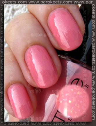 Catrice Miss Piggy Reloaded swatch by Parokeets
