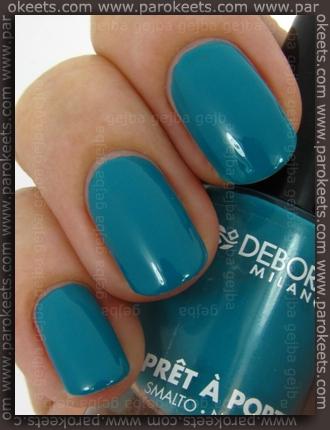 Deborah Pret A Porter: Turquoise Fever swatch by Parokeets