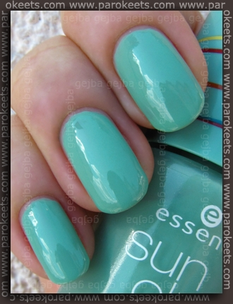 Essence Bondi Beach - BBC Chasing Waves swatch by Parokeets