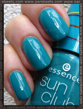 Essence Bondi Beach - BBC Splash Refresh swatch by Parokeets
