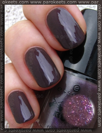 Essence You Rock LE - Love, Peace And Purple swatch