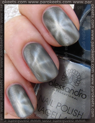 Alessandro Go Magic! Twist - Spacey Grey swatch by Parokeets