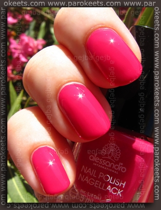 Alessandro Beach Beauty LE - Strawberry Daiquiri swatch by Parokeets