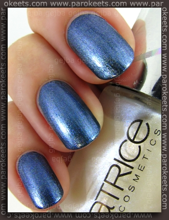 Catrice Out Of Space LE - My Milky Way as top coat