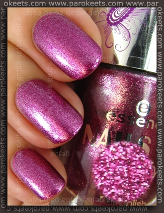 Essence Nails In Style TE - Style Me Love swatch by Parokeets