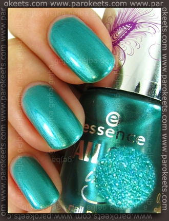 Essence Nails In Style TE - Style-ish, Baby! swatch by Parokeets