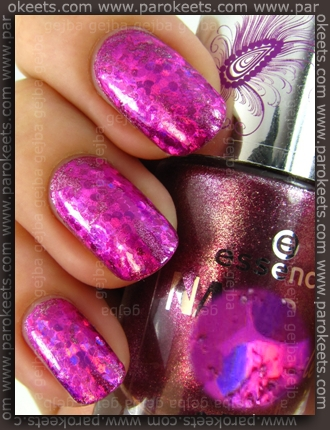 Essence Nails In Style TE - Style Me Love + Style Me Pretty foil by Parokeets