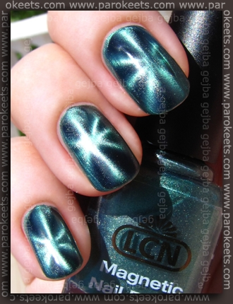 LCN Magnetic - Green Temptation swatch by Parokeets