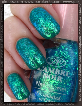 Layering: Manhattan Green Piece + L'Ambre Noir 402 by Parokeets