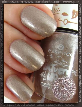 Essence NATventURista TE - Mother Earth Is Watching You swatch