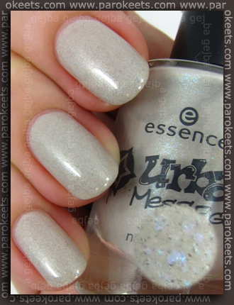 Essence Urban Messages TE Skyscraper swatch by Parokeets
