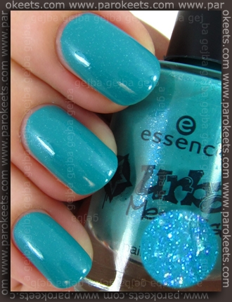 Essence Urban Messages TE Street Styler swatch by Parokeets