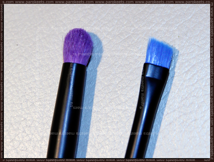 Essence smokey eyes brush and Essence eyeliner brush