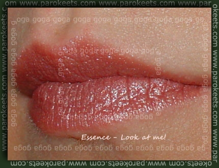Essence 40 Look at me! lipstick