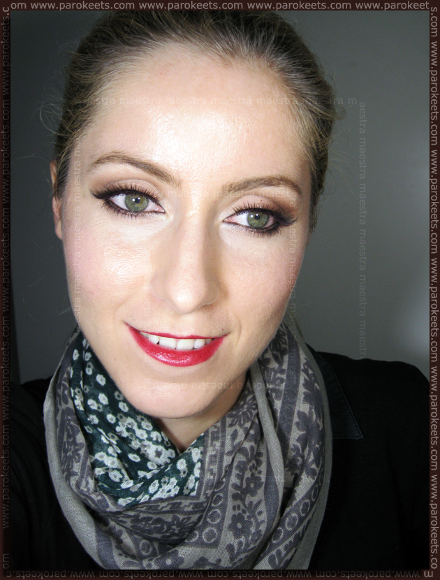 Quick, easy and glamurous make-up look by Maestra
