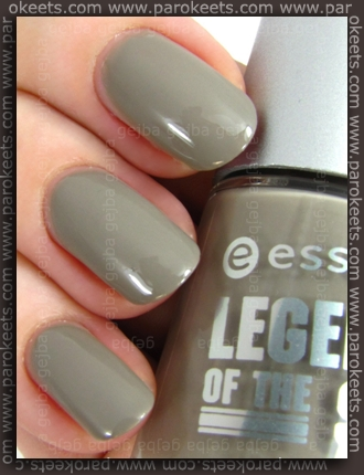 Essence Legends Of The Sky TE - I Wear My Flying Goggles At Night swatch