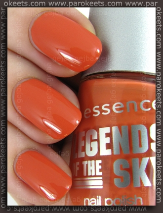 Essence Legends Of The Sky TE - No Better Way To Sky swatch
