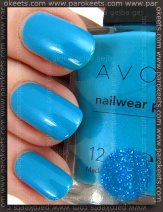 Avon Nailwear Pro nail polish Blue Escape (swatch)
