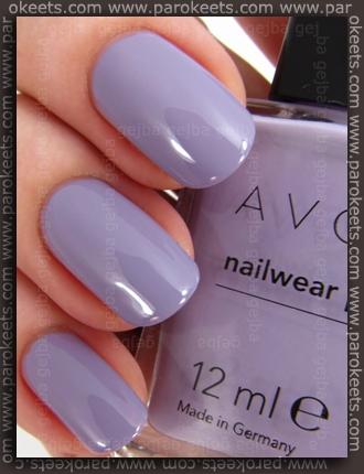 Avon Nailwear Pro nail polish Loving Lavender (swatch)