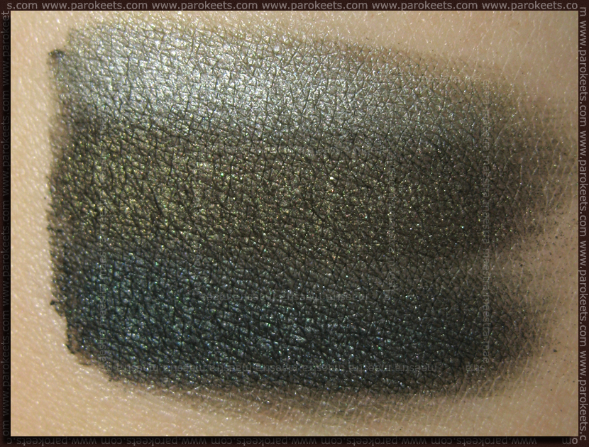 Swatch: Catrice Nymphelia: Smokey Eyes Set - Love, Peas & Harmony (over black)