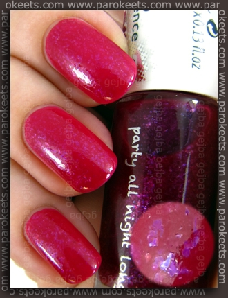Essence Colour3 - Shopping Trip In Soho nail polish