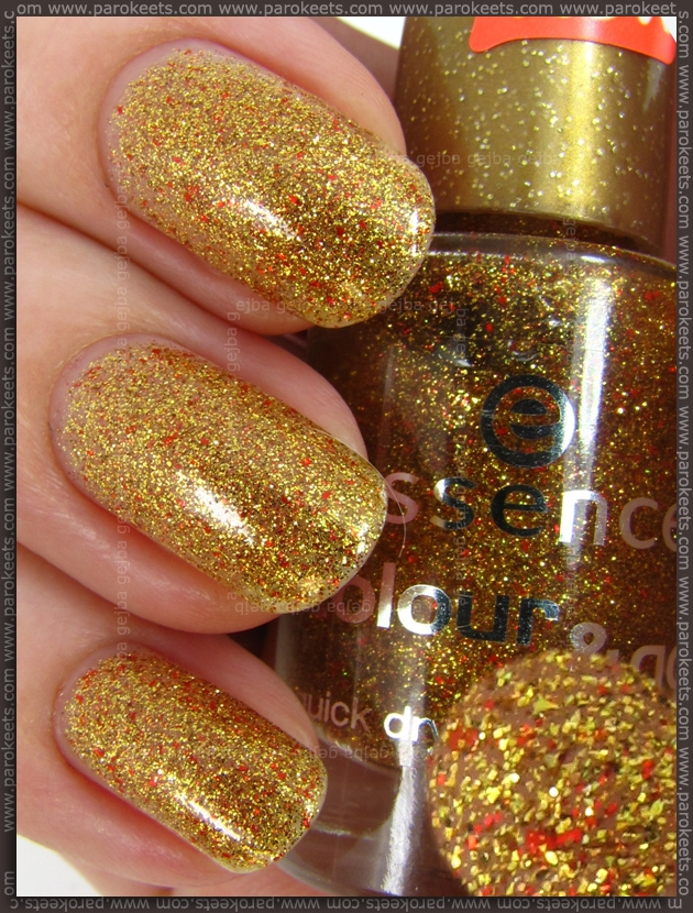 Essence Gold Fever swatch