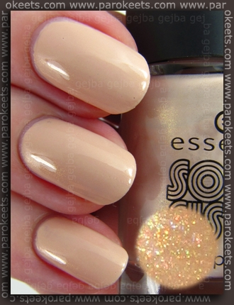 Essence Soul Sista TE - Totally Retro Nude lak za nohte (lightbox)