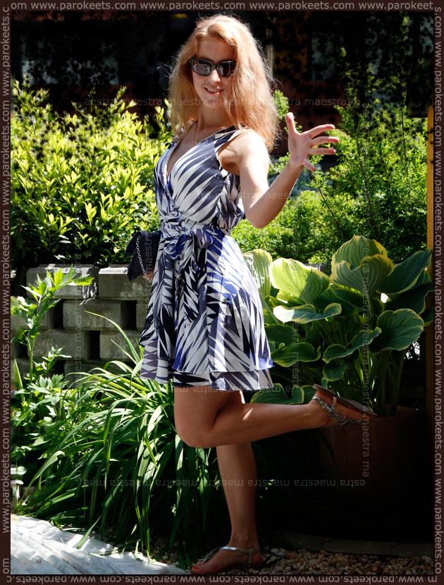 Maestra's OOTD: Banana Republic blue and white dress